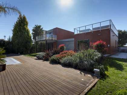 Дом / Вилла 525m² на продажу в Bétera, Валенсия