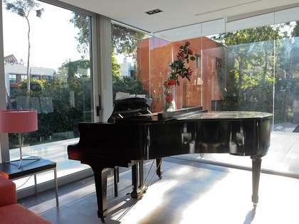 Дом / Вилла 396m² на продажу в Кастельдефельс