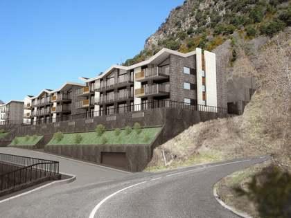Dúplex de 4 dormitorios con terraza en venta en Escaldes