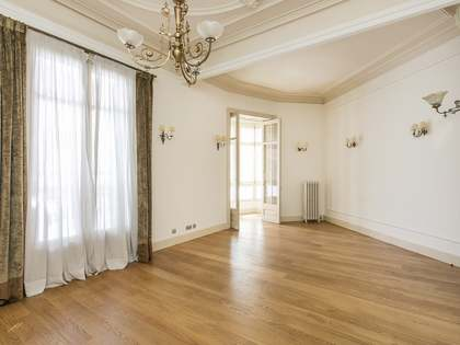 165 m² apartment for rent in Eixample Right, Barcelona