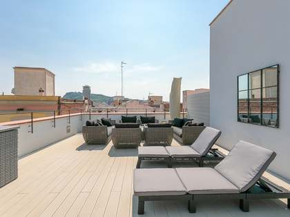 120 m² apartment with 65 m² terrace for rent in Gótico