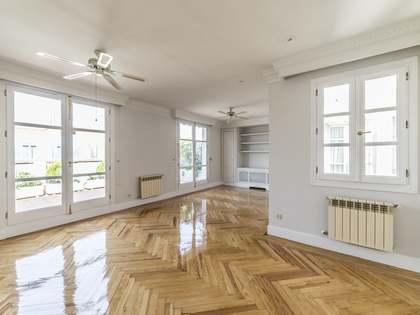 Penthouse van 165m² te huur met 30m² terras in Castellana