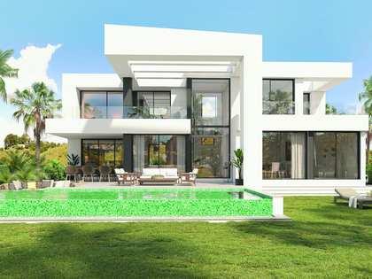 396m² house / villa with 40m² terrace for sale in East Málaga
