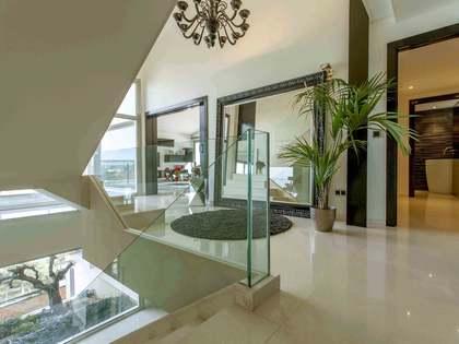 Дом / Вилла 688m² на продажу в El Bosque / Chiva, Валенсия