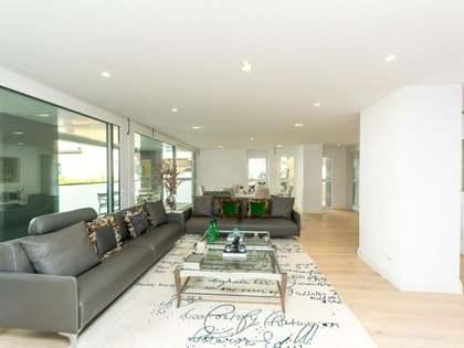 Квартира 249m², 29m² террасa на продажу в Трес Торрес