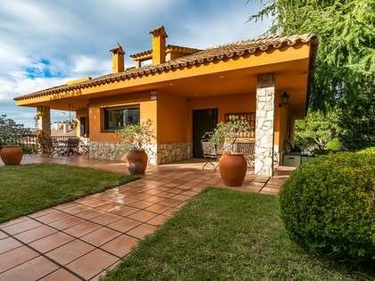400 m² house for sale in Cabrils, Maresme
