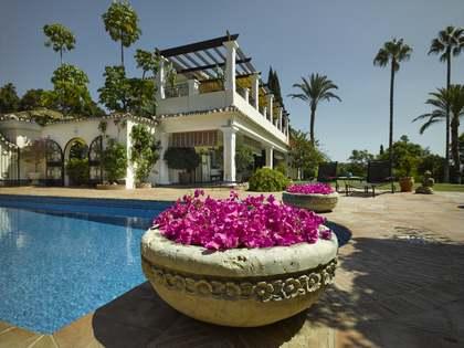 702m² Villa with 59m² terrace for sale in San Pedro de Alcántara