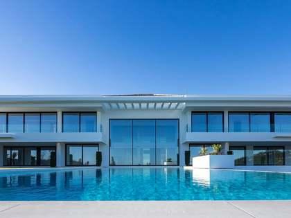 1,833m² House / Villa with 398m² terrace for sale in La Zagaleta