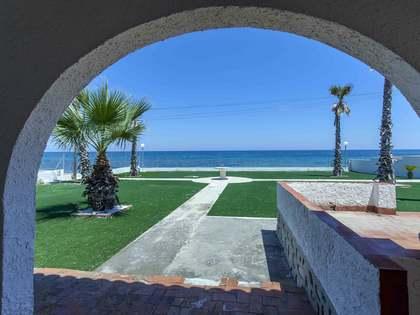 在 Dénia, Costa Blanca 143m² 出售 豪宅/别墅 包括 60m² 露台