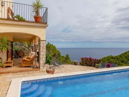 Casa / Villa de 265m² en venta en Sa Riera / Sa Tuna