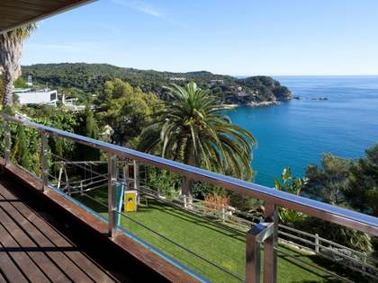 Amazing first line house for sale in Tossa de Mar