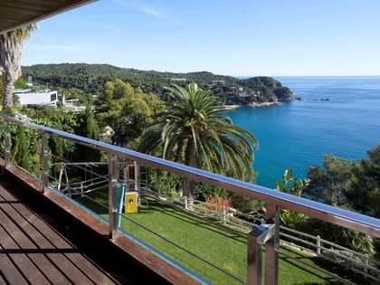 Magnífica casa en primera línea en venta en Tossa de Mar