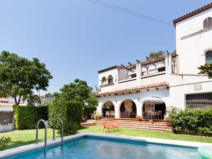 266m² House / Villa for sale in La Pineda, Barcelona