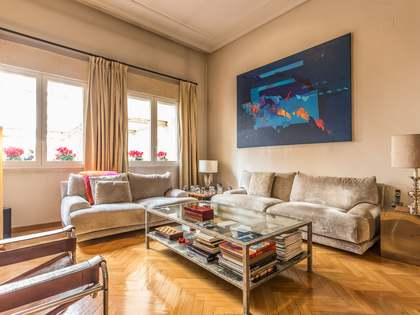 124m² apartment for sale in Cortes, Madrid