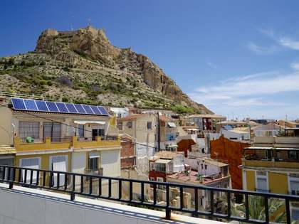 650m² Building with 90m² terrace for sale in Alicante ciudad