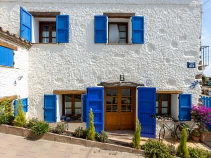 Maison / Villa de 256m² a vendre à Montgat, Barcelona