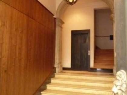 Renovated three bedroom apartment in historic Lisbon