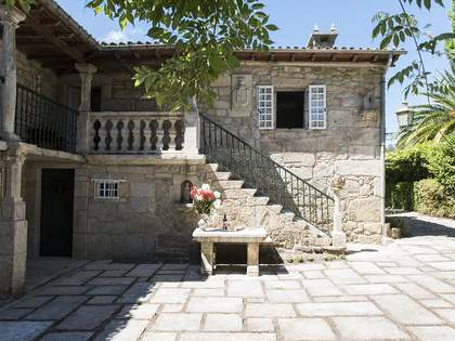 Pazo de 650 m² en venta en Pontevedra, Galicia