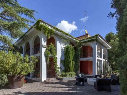 Casa / Villa de 600m² con 2,600m² de jardín en venta en El Bosque / Chiva