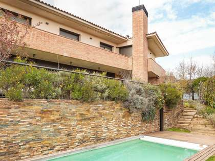 548 m² house with garden for sale in Mirasol