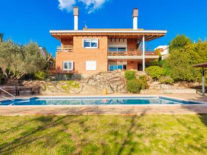 601m² House / Villa with 1,500m² garden for sale in Montjuic