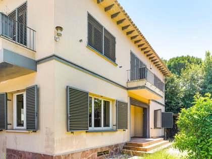 Villa de 293m² con 178m² de jardín en venta en La Bonanova