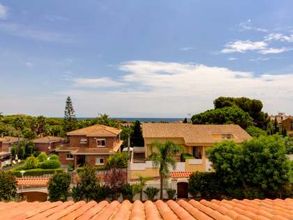 Casa / Vil·la de 409m² en venda a Torredembarra, Tarragona