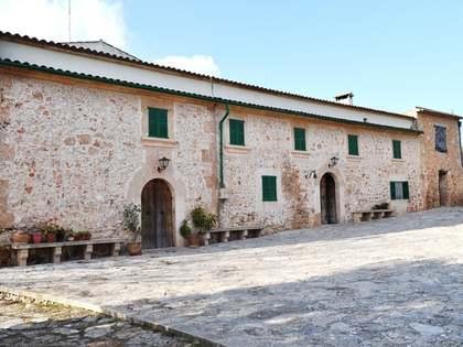 Landgoed/ Sportlandgoederen van 3,000m² te koop in South Mallorca