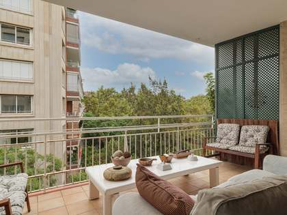 235m² apartment with 13m² terrace for sale in Turó Park