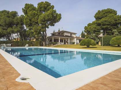 273m² Equestrian Property for sale in Calafell, Tarragona