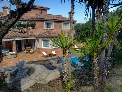 751m² Haus / Villa zum Verkauf in Antibes, Tarragona