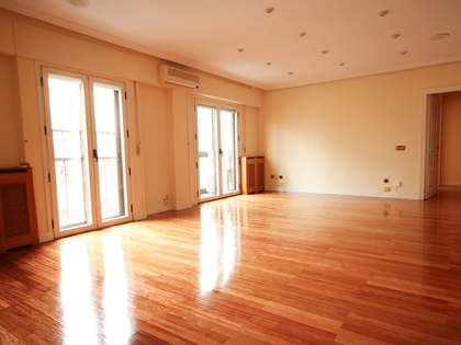 187 m² apartment for sale in Goya, Madrid