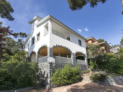 255 m² house for sale in Castelldefels