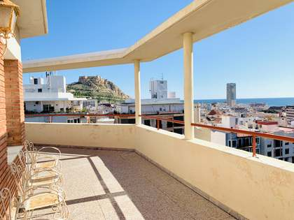 216m² Penthouse with 84m² terrace for sale in Alicante ciudad
