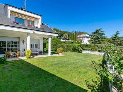 919m² Haus / Villa zum Verkauf in Sant Andreu de Llavaneres