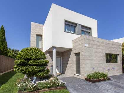 Villa de 247m² con 600m² de jardín en alquiler en Bétera