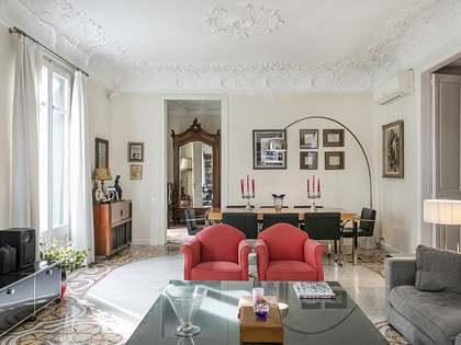 Apartamento modernista en venta en el Eixample