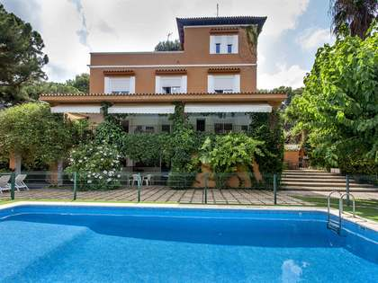 532 m² villa for sale in Godella, Valencia