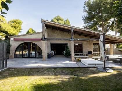 Huis / Villa van 337m² te koop in Los Monasterios, Valencia