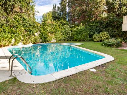 328m² Apartment with 80m² garden for sale in Pedralbes