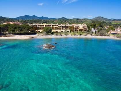 Maison en vente dans un complexe face à la mer à l'est de Majorque