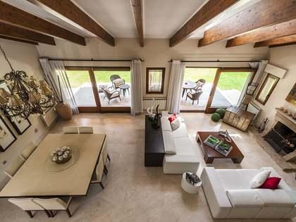 Дом / Вилла 640m², 1,700m² Сад на продажу в Ла Моралеха
