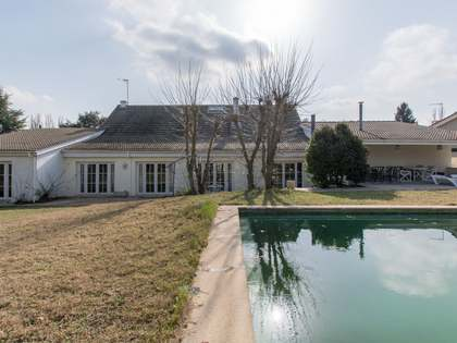 600m² House / Villa with 1,600m² garden for sale in Pozuelo