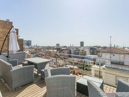 320 m² penthouse with a terrace for rent in Galvany
