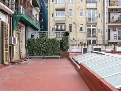 130m² Apartment with 40m² terrace for sale in Eixample Right