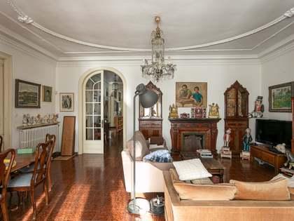 301m² Lägenhet med 10m² terrass till salu i Gràcia