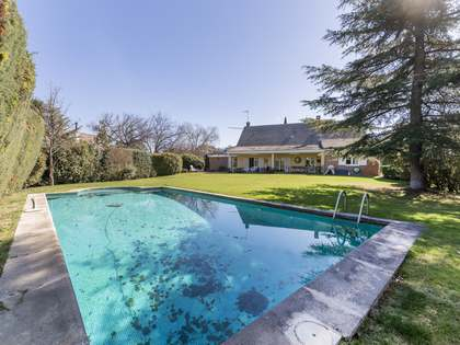 396m² House / Villa with 1,400m² garden for sale in Pozuelo