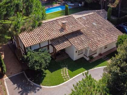 Casa / Villa de 325m² con 1,630m² de jardín en alquiler en Sant Andreu de Llavaneres
