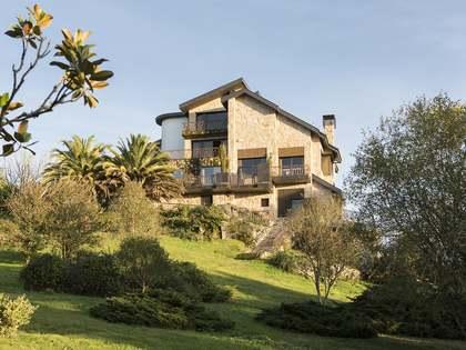 Casa / Vila de 1,226m² à venda em Ourense, Galicia