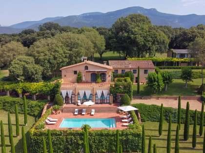 740m² Landhaus zum Verkauf in La Garrotxa, Girona